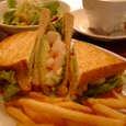 Chelsea Cafebのアボガド&シュリンプサンドイッチ