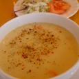 HiLALのセットのスープ&サラダ