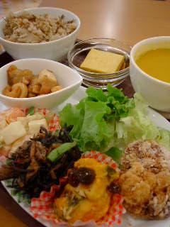 Organic House DELI&CAFEの日替わりランチデリセット