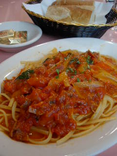 Cafe SorrentoのLINGUINE AL FILET POMODORO