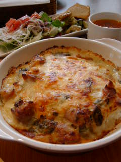 Silkの三浦の小松菜と地鶏モモ肉の豆腐ドリア