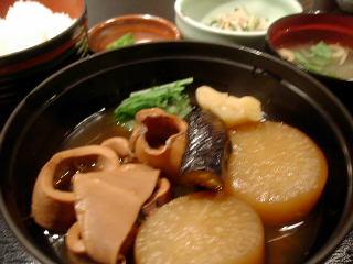 まるごと北海道のイカと大根の煮付け定食