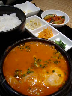 東京純豆腐のチーズスンドゥブ