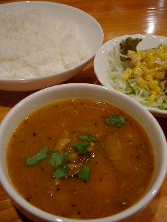デラウリ食堂のデラウリネパールカレー(日替わり)