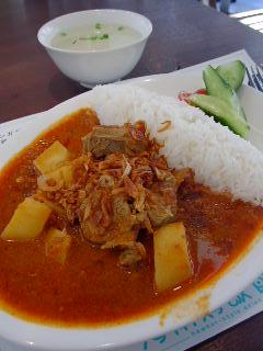 海南鶏飯食堂2の仔羊とトマトのスパイシー煮込みカレー
