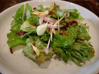 鉄板焼Sのランチメニューのサラダ